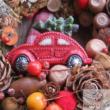 Piros autós kopogtató koszorú