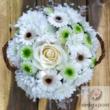 Virágkosár fehér virágokból