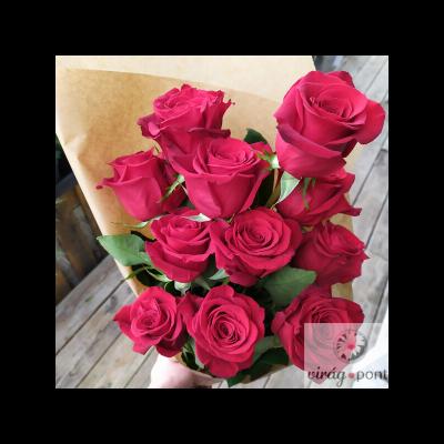 Vörös rózsa csokor