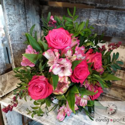 Rózsaszín csokor Protea-val